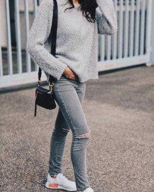 J brand Skinny Jeans hellgrau Destroy-Optik