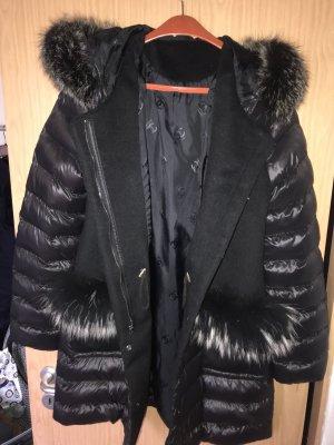 Chaqueta con capucha negro