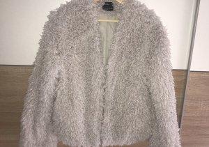 Bershka Cappotto in eco pelliccia grigio chiaro Pelliccia ecologica
