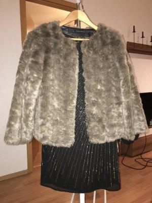 Jacke aus Fellimitat, Zara (S)