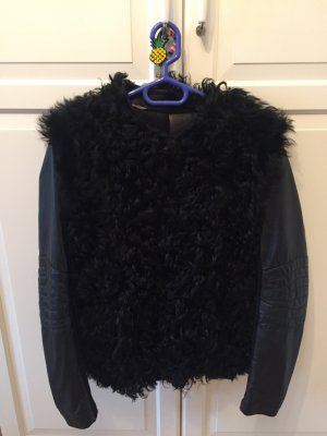 Jacke aus Leder mit Fell