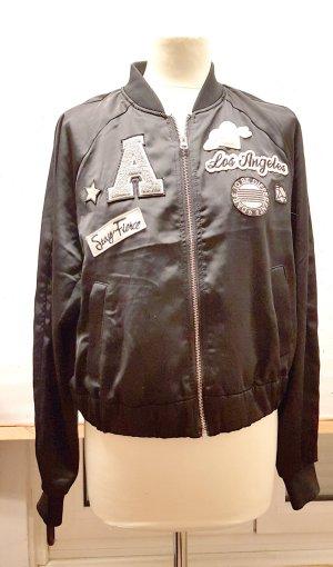 Jacke, Blouson, Collegejacke, schwarz mit Aufnähern, Gr. 42