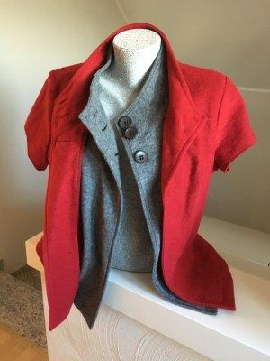 Jacke bzw 2 Jacken, rot, grau, wie neu , Bonita