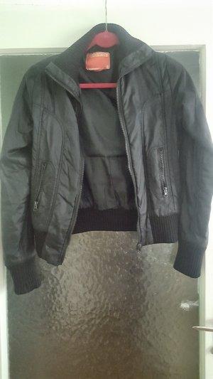 8f8b95f30bb423 Fishbone Jacken günstig kaufen | Second Hand | Mädchenflohmarkt