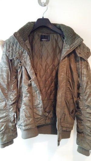 Jacke im Bomberstil mit Camouflage Muster