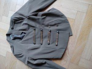 Jacke im Military Look