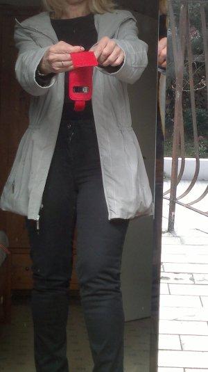 Jacke im Parkastil mit Kaputze, sportl.-elegant, hellgrau + weiße Nadelstreifen