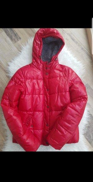 Jacke in Rot