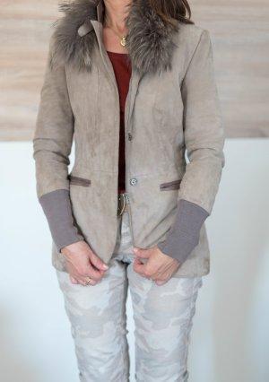 Giacca in pelle grigio-grigio chiaro