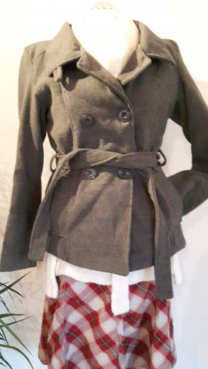 Abrigo corto color plata