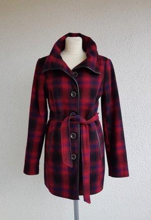 Esprit Cappotto corto nero-rosso Tessuto misto