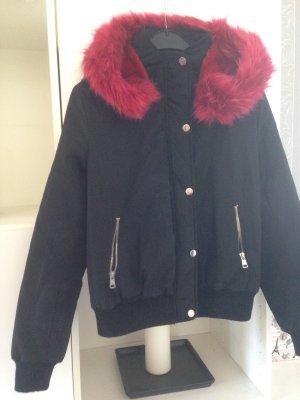 Giacca di pelliccia nero-carminio