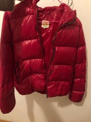 Moncler Down Jacket raspberry-red-magenta