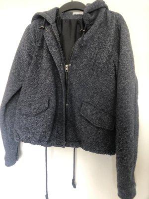 Only Chaqueta con capucha gris oscuro-blanco