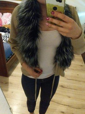 Jacke mit Kunststoff Pelz