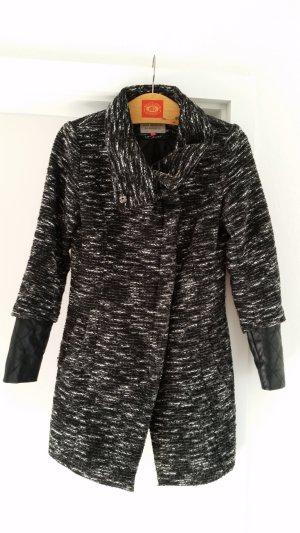 Jacke mit Lederimitatärmel, schwarz-grau-weiß, von Only