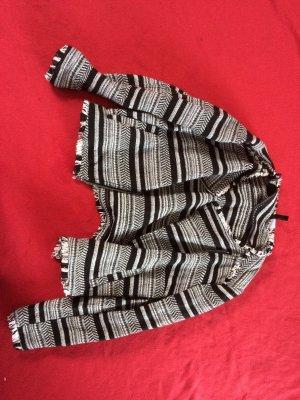 Jacke mit Muster schwarz weiß