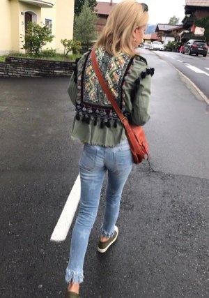 Jacke mit Stickerei von Zara