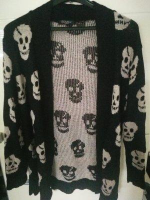 Jacke mit Totenköpfen