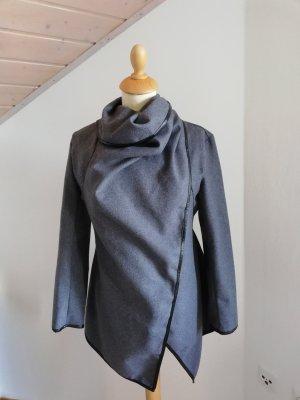 Cappotto corto nero-grigio