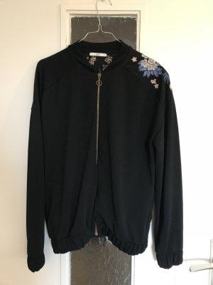 Jacke schwarz mit Stickmuster