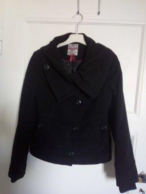 Jacke schwarz mit warmer Fütterung