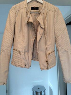 Jacke von Bershka zu verkaufen