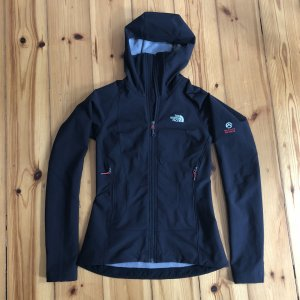 The North Face Windbreaker black