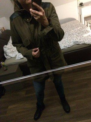 Jacke von Vero Moda.