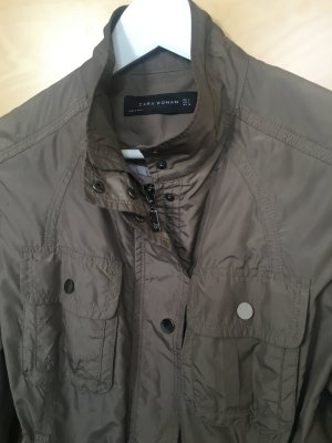 Jacke von Zara Gr L Khaki-Grün