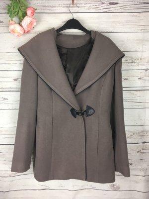 Abrigo corto taupe-marrón grisáceo