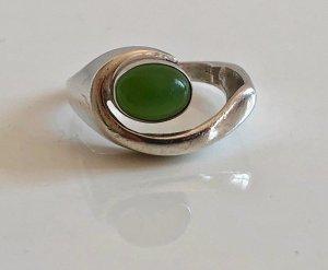 Jade cabochon 835 Silber Ring Modernist Design Silberring oval grün 70s Vintage Spannring