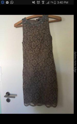 jake`s kleid