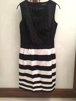 Jake's Kleid (schwarz-weiß, Gr. 36, mit Eingriffstaschen)