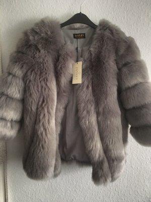 Jayley- Luxuriöse, gestreifte Jacke aus Kunstpelz