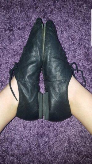 Ballerines à lacets noir faux cuir
