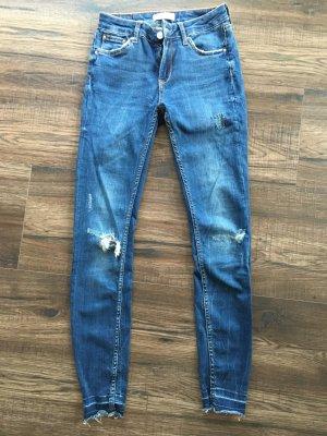 Zara Pantalone a sigaretta blu scuro-blu