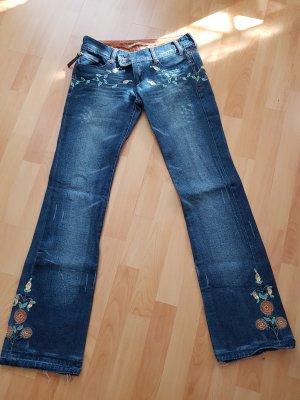 Jeans Bestickt