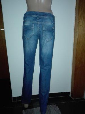 Jeans blau ,eng anliegend, Hüfthosen.