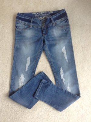 Jeans / blau / Gr. 36 S / NEU