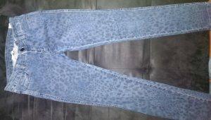 Jeans blau mit Leopardenmuster