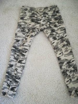 Jeans camouflage NEU