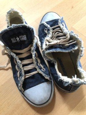 Jeans-Chucks / Converse low aus Jeans