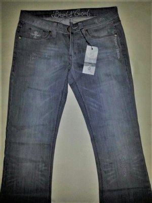 Jeans der Edelmarke Besser & Cursed