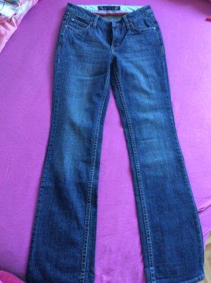 Jeans der Marke Esprit