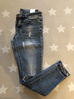 Jeans destroyed used Look zerrissen Löcher