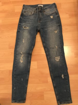 Jeans destroyed Zara