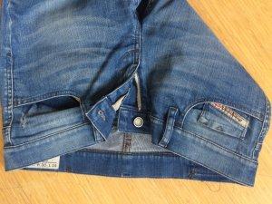 Jeans Diesel Gr. 30 hellblau