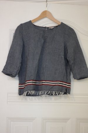 Jeans--farbige Bluse