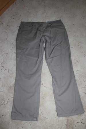 Jeans Fb. Grau  Wurde nur 1 x getragen.